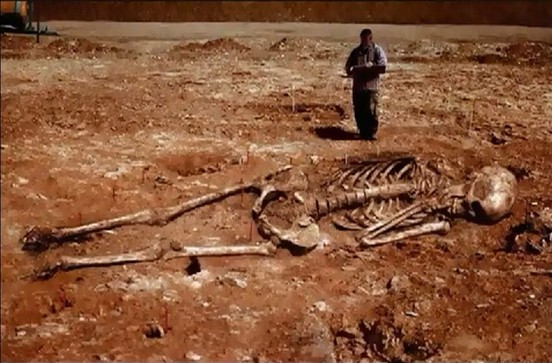 Iran: archaeologists found human skeletons that are 5 meters high