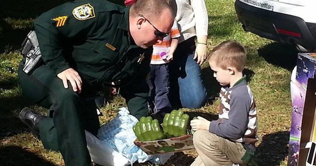 No one came to the autistic kid's birthday, so these cops saved the day