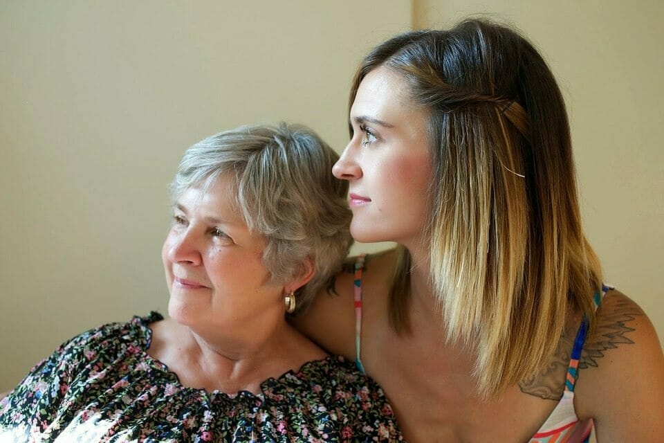 A new study says: The more time you spend with your mother, the longer she will live