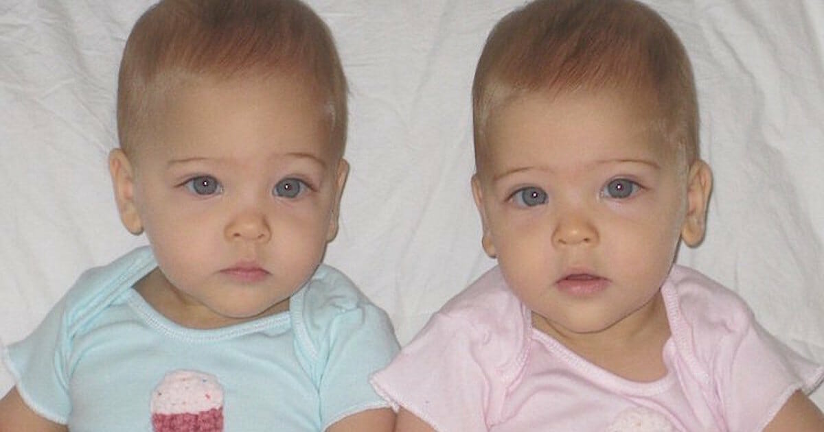 Identical twin sisters were born in 2010 - Today they are 8 years old and considered 'the most beautiful twins in the world'