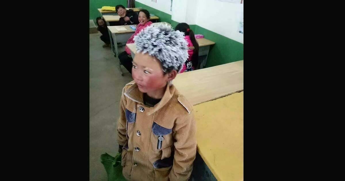 An 8-year-old boy came to school with a frozen head, and when the teacher looked closer his heart broke into pieces